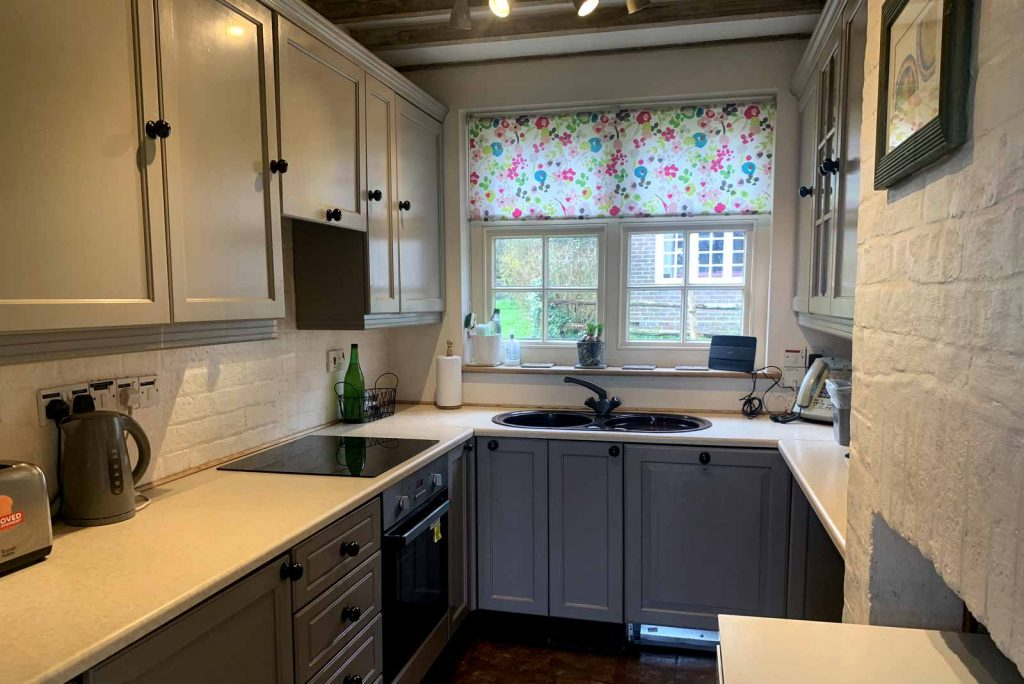 Kitchen self-catering holiday accommodation country cottage, for rent, Crowborough, Lewes, Uckfield,  Sussex, UK: Home Farm